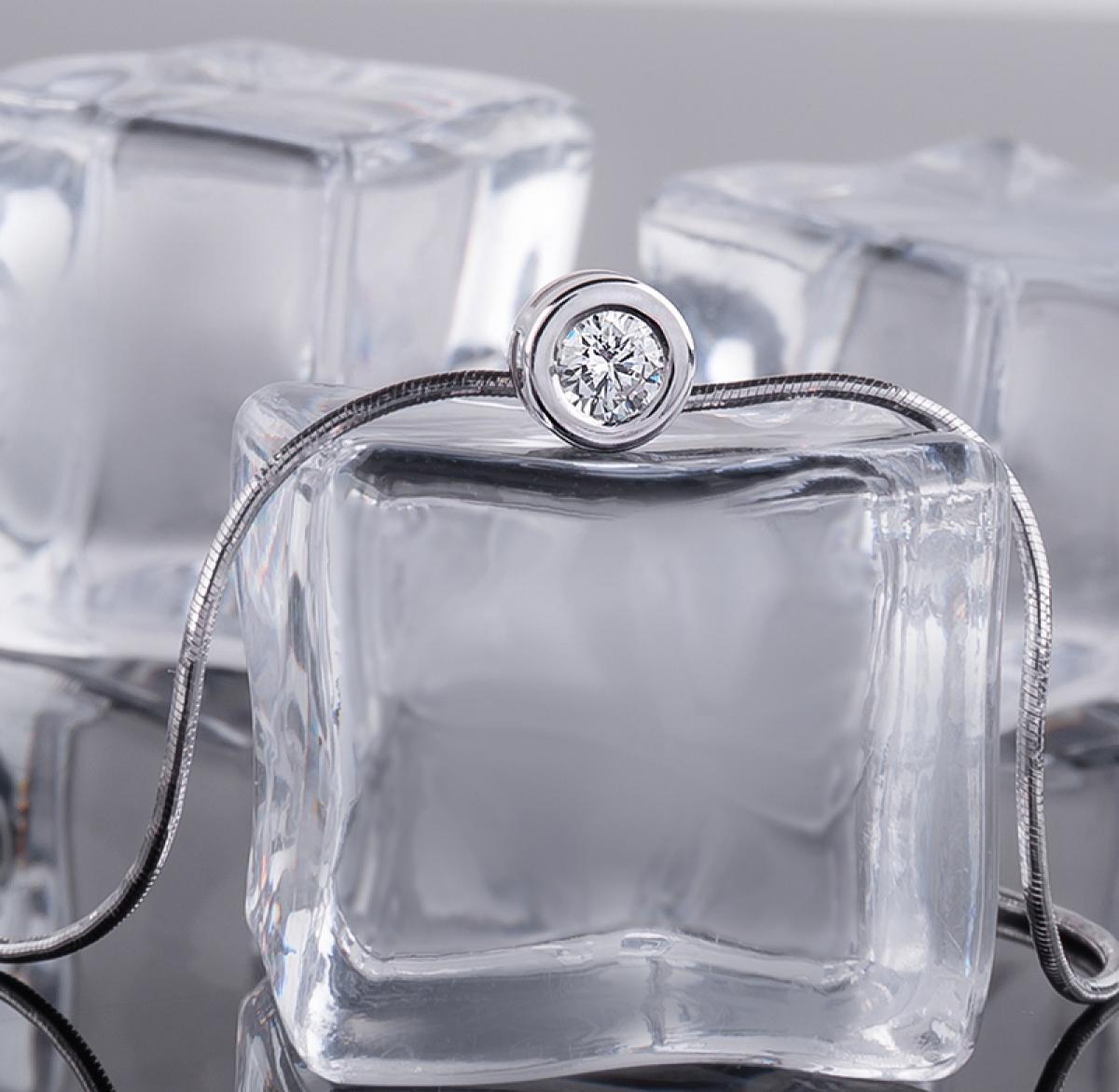 Підвіска з діамантом ``Серце океану`` з білого золота 1729-2