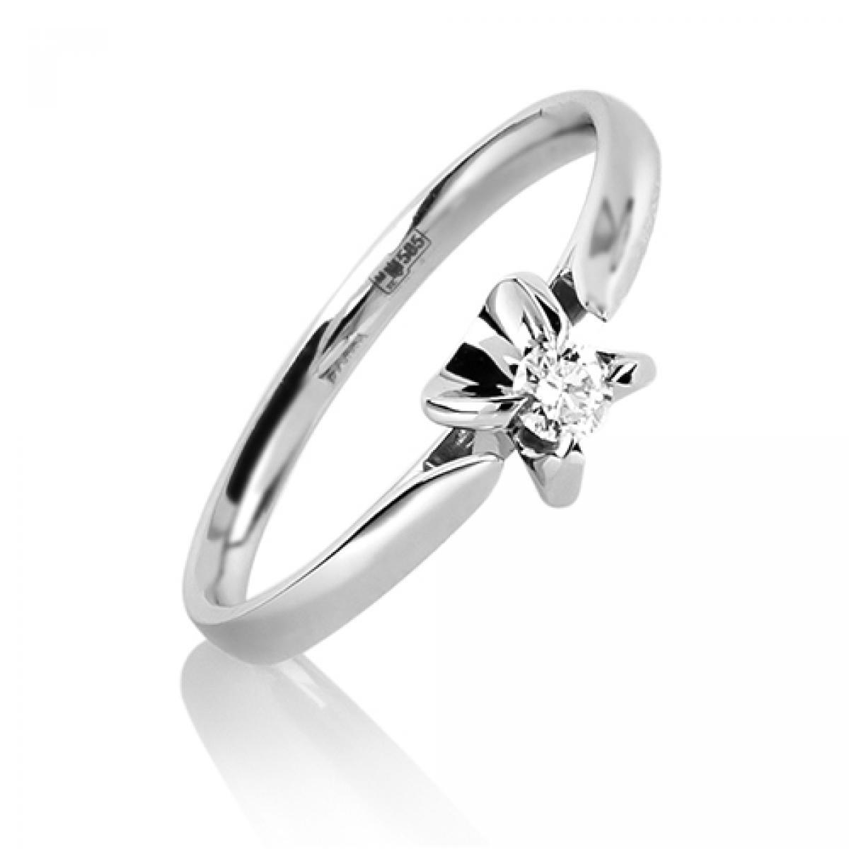 Каблучка з діамантом в білому золоті ``Ilona``(16,5-1,9)