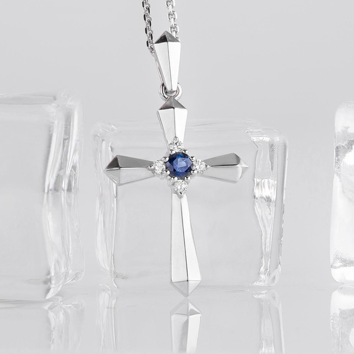 Золотий декоративний хрестик ``Серце Океану`` з сапфіром та діамантами