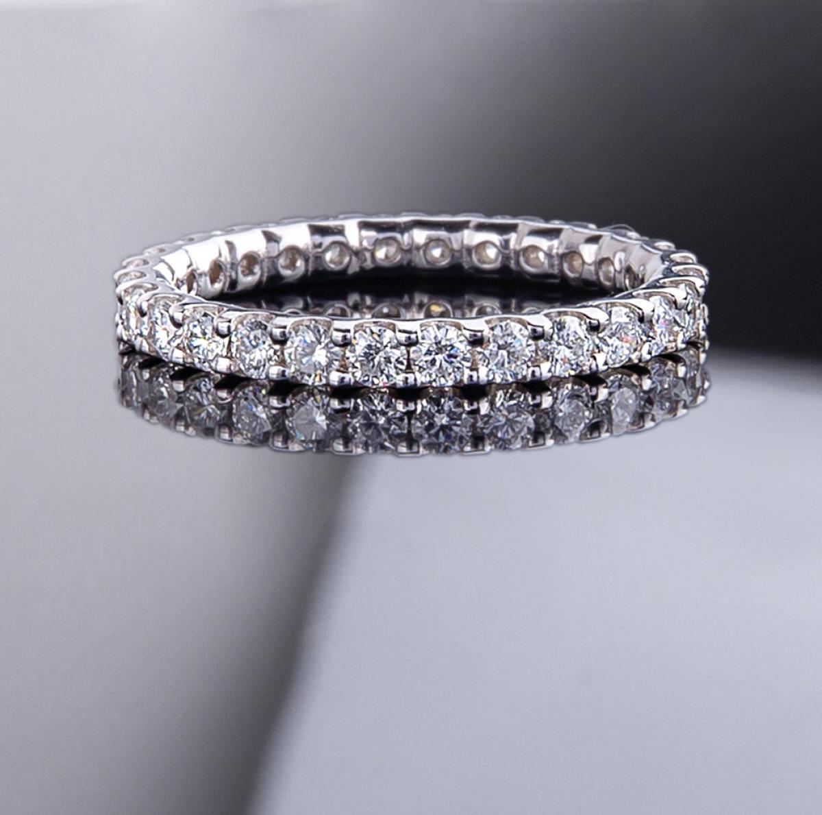 Перстень з діамантами ``Cartier`` з білого золота KETD215б