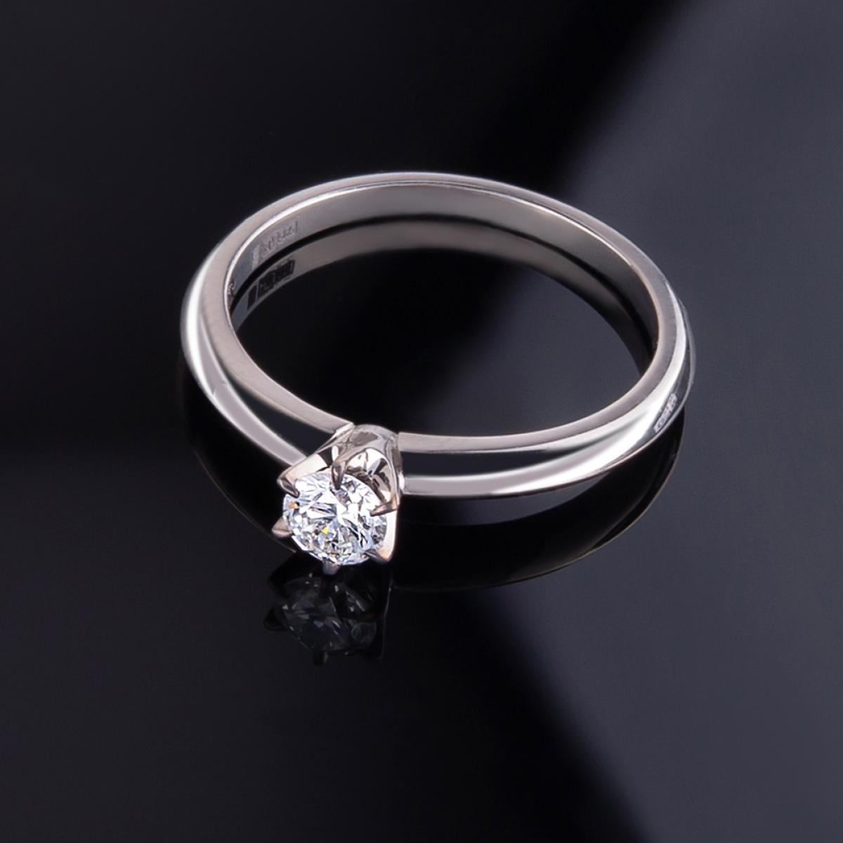 Каблучка з діамантом ``Tiffany`` з білого золота KTD4б (16,5)