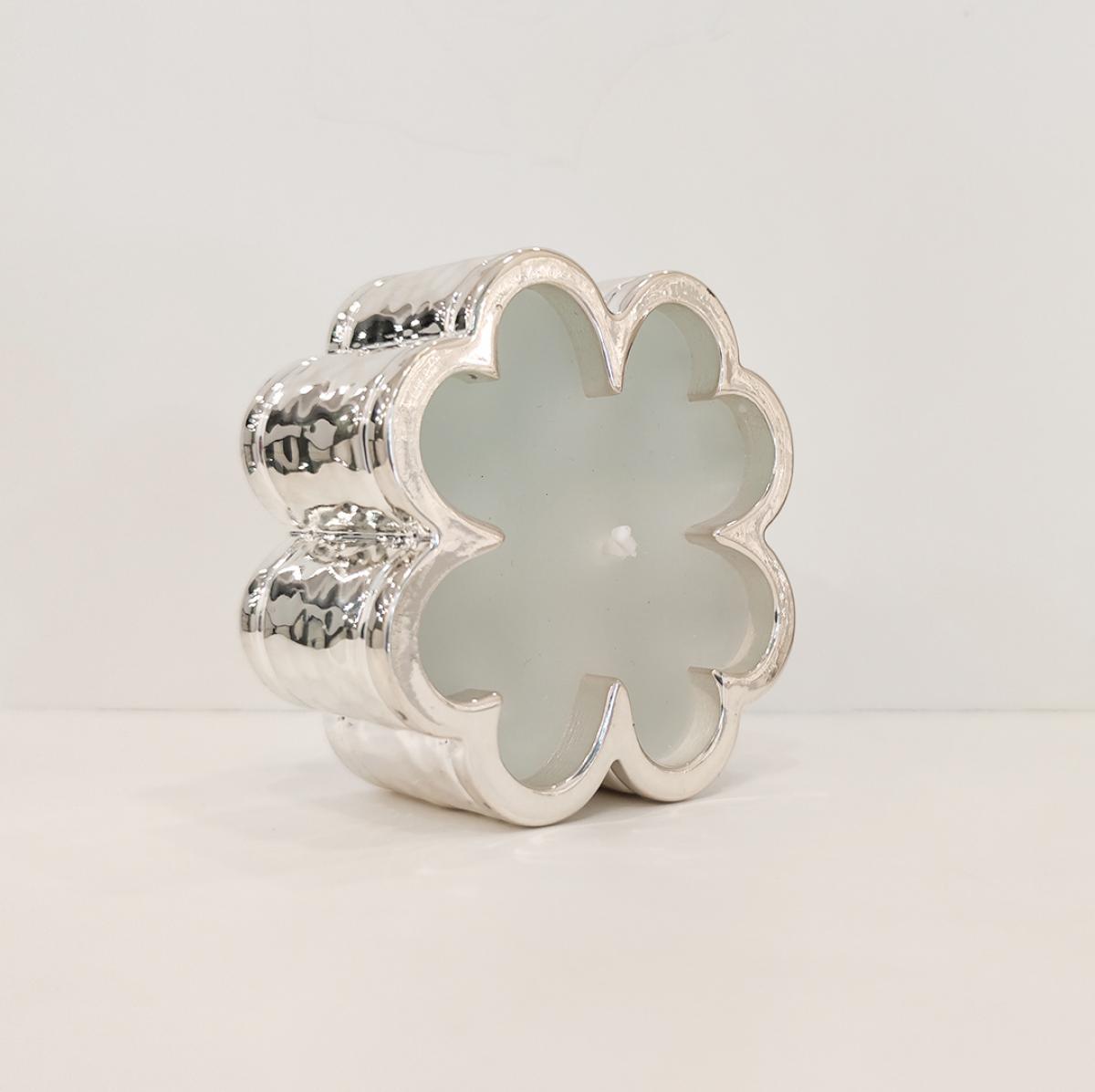 Свічка у срібній підставці ``Квітка``
