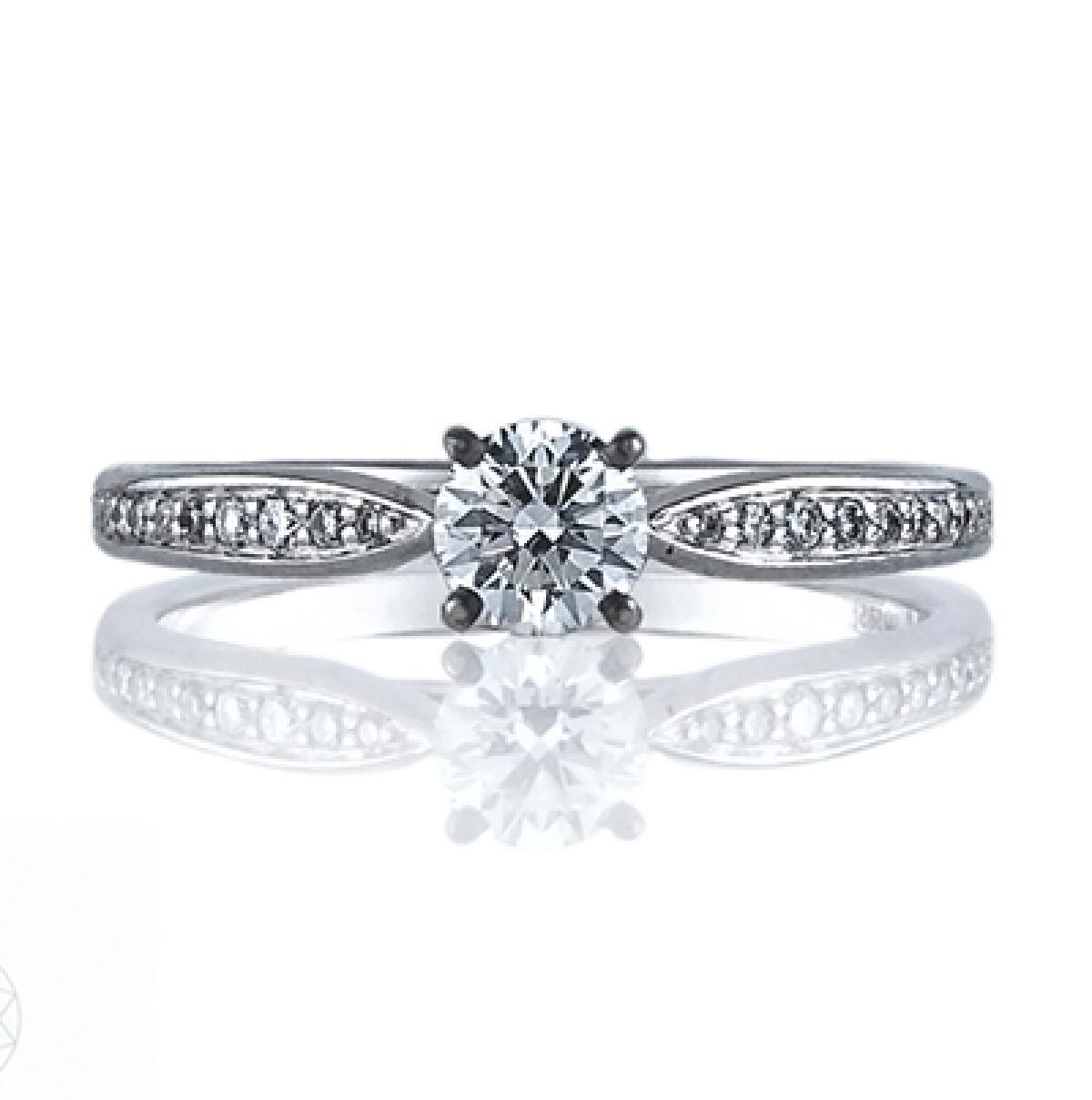 Золотий перстень з діамантом ``Selena``(18-2,57)